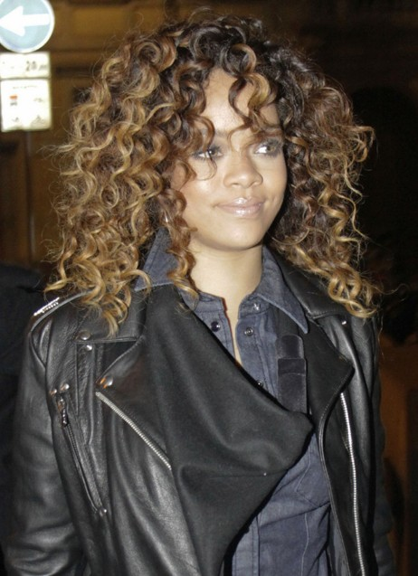 Rihanna Curly Hair Styles Celebrity Long Curly