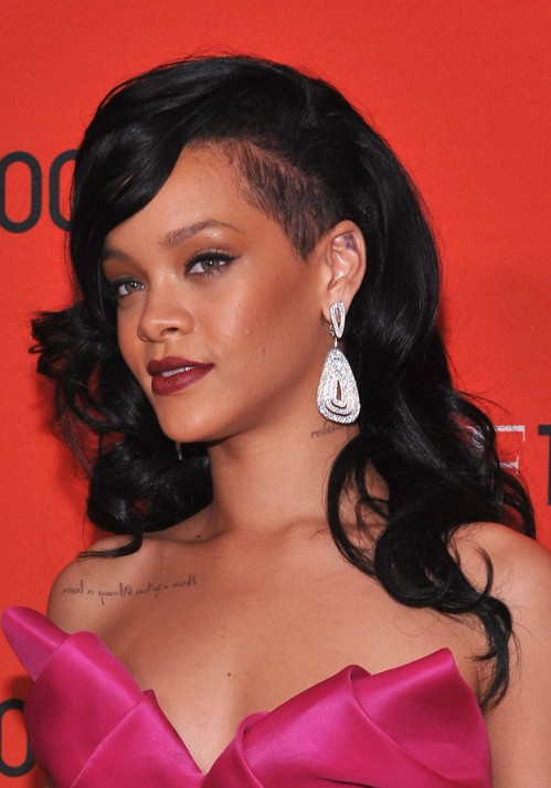 rihanna long black curly hairstyle 2012 2013