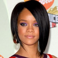 Rihanna asymetrical bob haircut