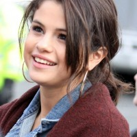 Selena Gomez Cute Messy Ponytail