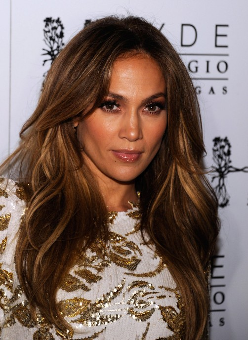 Sexy Long Layered Hairstyle from Jennifer Lopez