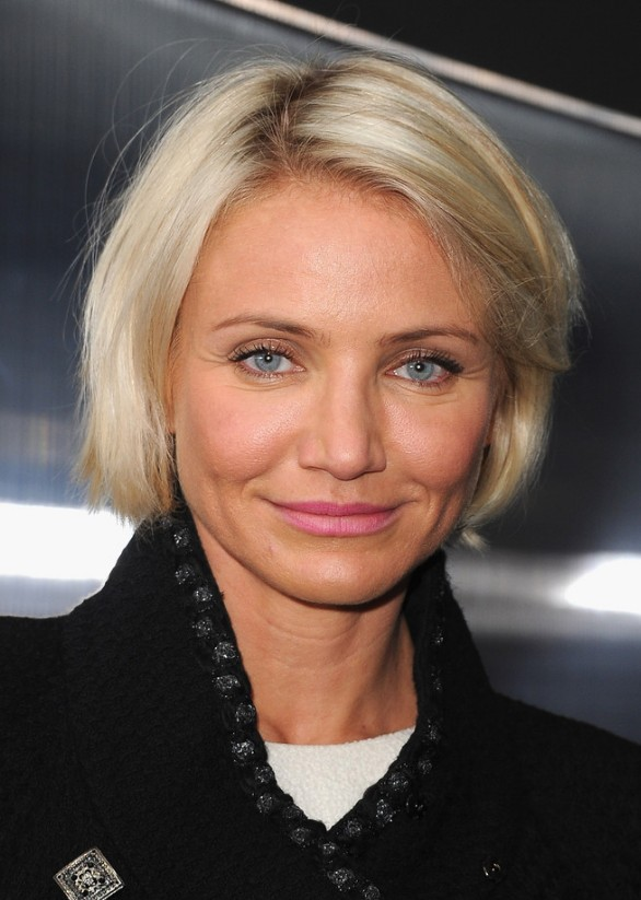 Short hairstyle for women over 40 - Hairstyles Weekly