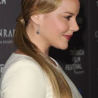 Side View of Ponytail Hairstyle - Long Sleek Ponytail