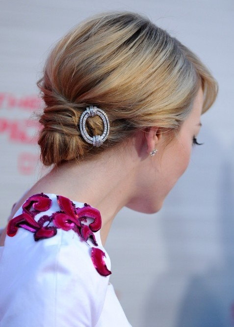 Side View Of The Hair Knot Emma Stone Hair Knot