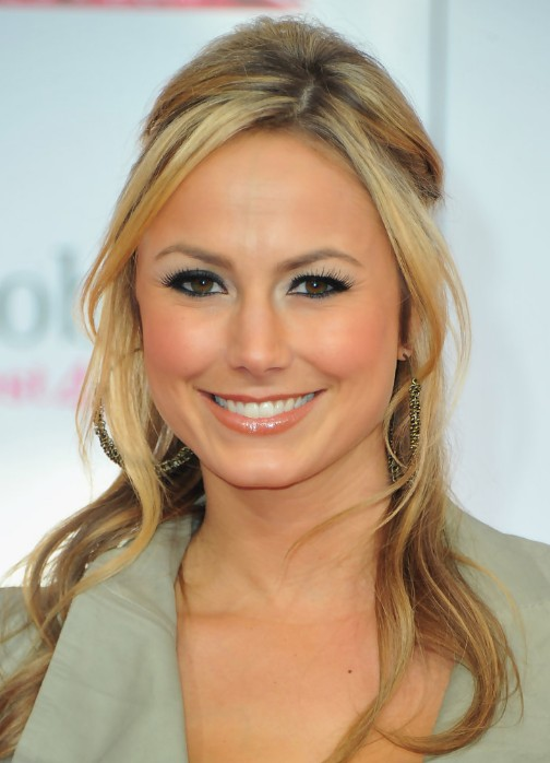 stacy keibler casual long hairstyle  loose curls