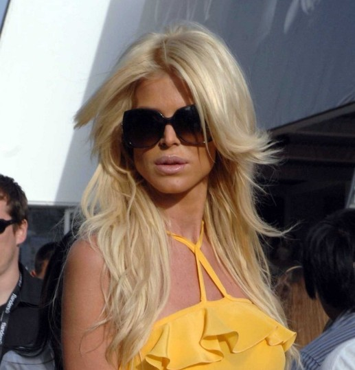 Victoria Silvstedt Stylish Layered Hairstyle for Long Hair