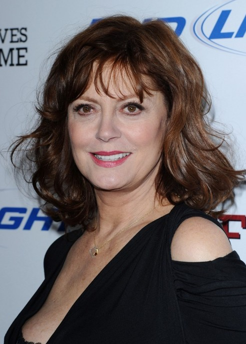 Susan Sarandon Wavy Hairstyle for women over 60s - Hairstyles Weekly