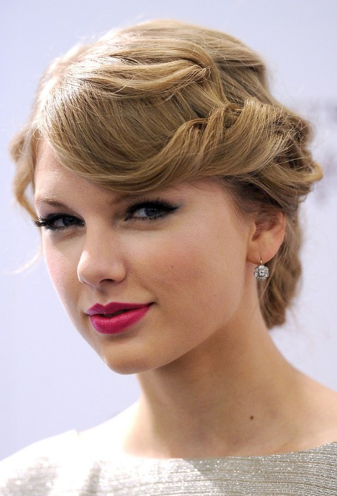 Astounding Loose Bun Hairstyles Weekly Hairstyles For Women Draintrainus