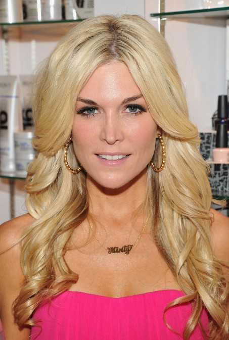 Superb Tinsley Mortimer Layered Long Wavy Blonde Hairstyle Hairstyles Short Hairstyles For Black Women Fulllsitofus