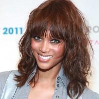 Tyra Banks Medium Curly Hairstyle