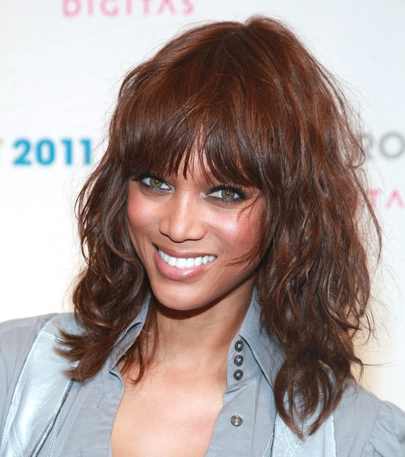 Celebrity Tyra Banks Medium Curly Hairstyle