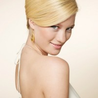 Beautiful bouffant Vintage Wedding Hairstyles