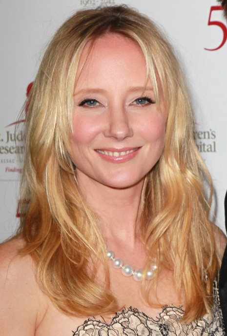 Anne Heche Long Layered Hairstyles With Side Fringe