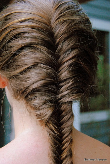 French fishtail braid hairstyles hairstyles weekly for Fish tail hair
