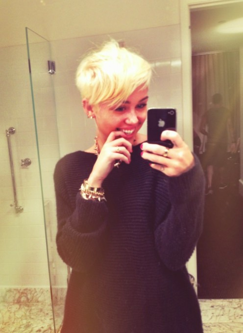 Astonishing Miley Cyrus New Hairstyle Miley Cyrus Adorably Edgy New Pixie Cut Short Hairstyles For Black Women Fulllsitofus