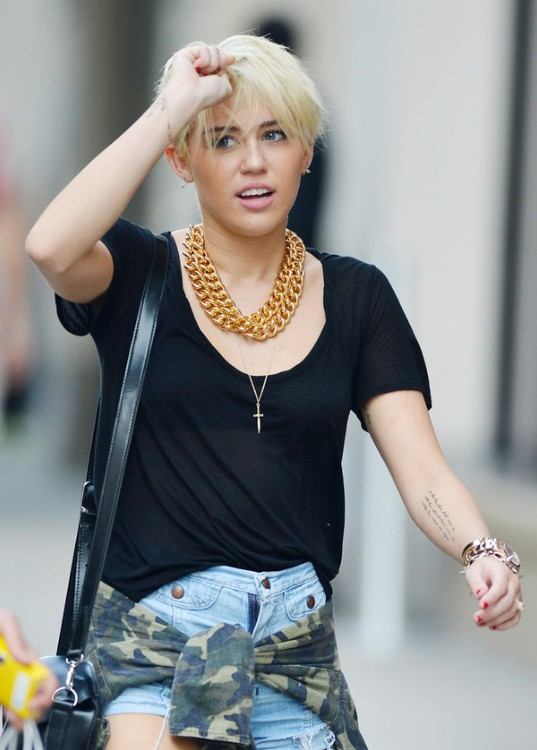 Miley Cyrus New Short Pixie Haircut 2012 New Hd Pics In