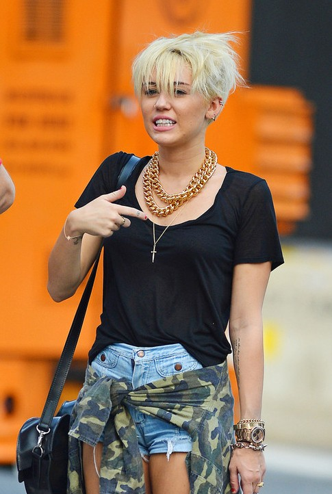 Fine Miley Cyrus New Short Pixie Haircut 2012 New Hd Pics In Short Hairstyles For Black Women Fulllsitofus