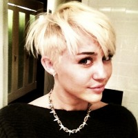 Miley Cyrus New Hairdo: Short Blonde Haircut
