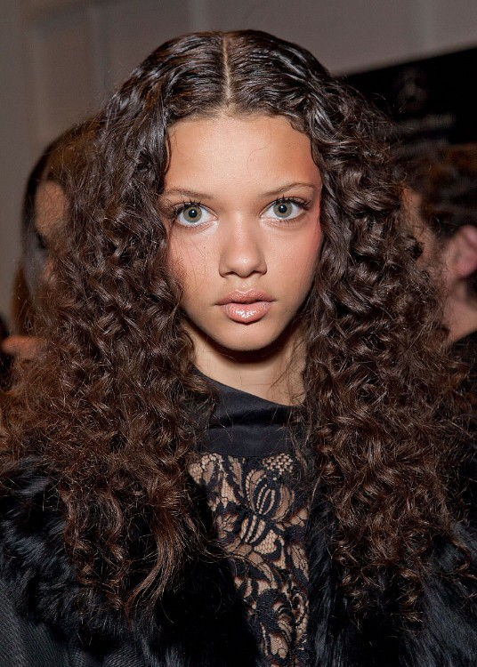 Outstanding Daily Hairstyles Gorgeous Long Curly Hairstyle From Marina Nery Hairstyles For Women Draintrainus