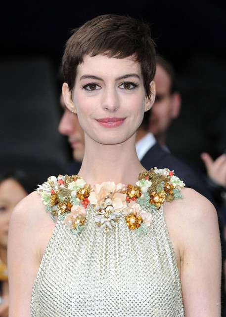 Anne Hathaway Casual Short Straight Pixie Haircut Hairstyles Weekly