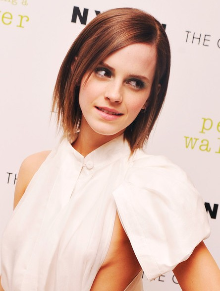 2013 Emma Watson Short Layered Razor Hair Style for Women