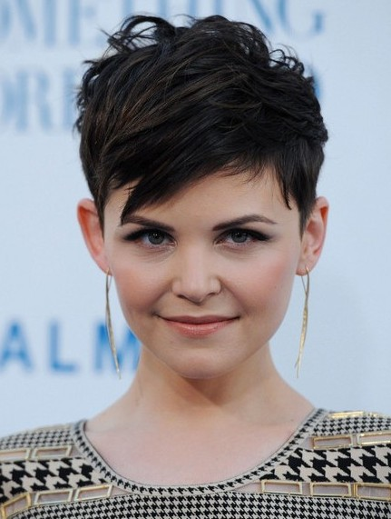 Easy Simple Short Haircut: The Pixie Haircut