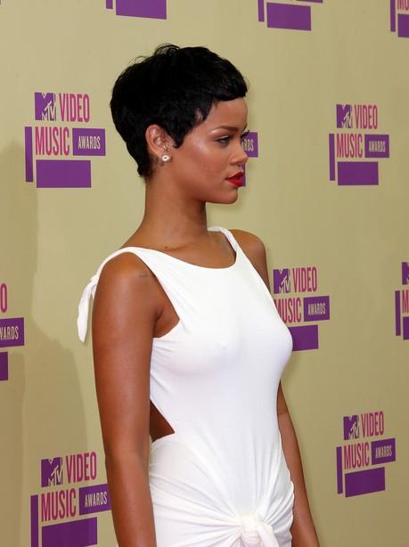 Incredible Side View Of Rihanna Short Curly Hairstyle Hairstyles Weekly Short Hairstyles For Black Women Fulllsitofus