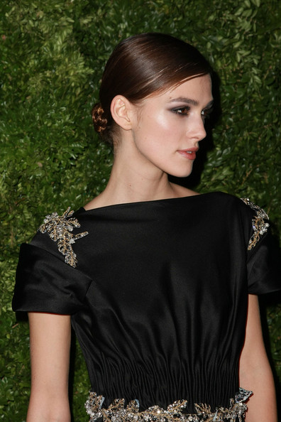 Keira Knightley Pretty and Polished hairstyle