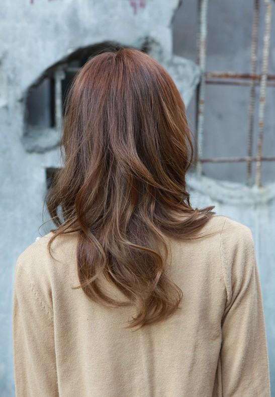 Terrific Asian Girls Shoulder Length Wavy Hairstyle With Full Bangs Short Hairstyles Gunalazisus
