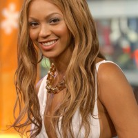 Beyonce Knowles Chic Tousled Curly Hairstyle