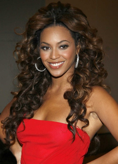 beyoncé knowles long brown curly hairstyle - hairstyles weekly