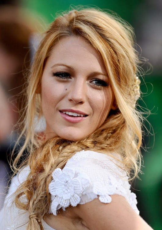 Enjoyable Blake Lively Messy Side Fishtail Braid Hairstyle Hairstyles Weekly Hairstyle Inspiration Daily Dogsangcom
