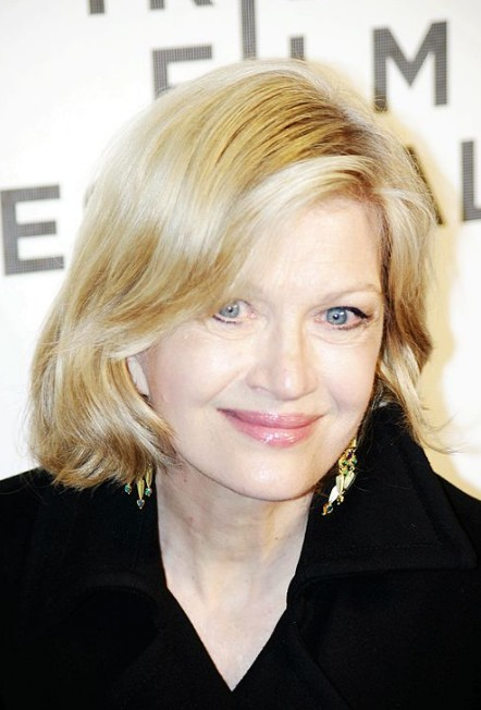 Diane Sawyer Hairstyles: Layered Medium Bob Hairstyle for Older Women