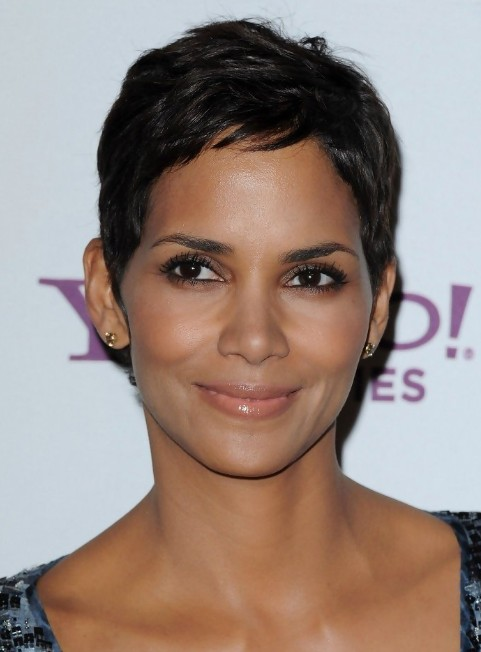 halle berry short haircut halle berry pixie hairstyle hairstyles weekly 1539 | Halle Berry Pixie Hairstyle
