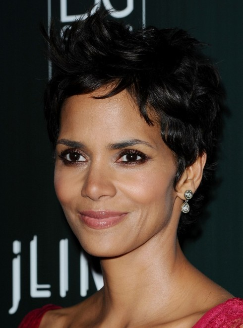Wondrous Halle Berry Pixie Haircut Sexy Layered Straight Hairstyle Hairstyle Inspiration Daily Dogsangcom