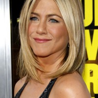 Jennifer Aniston Bob Haircut: Medium Straight Hairstyle for Women