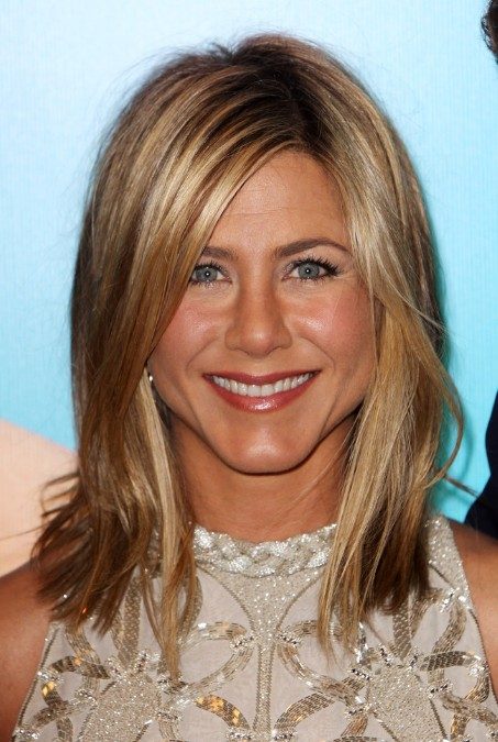 Jennifer Aniston Hairstyles: Layered Long Bob Haircut for Women/Getty