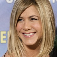 Jennifer Aniston Long Bob: Sexy Lob Hairstyle for Women
