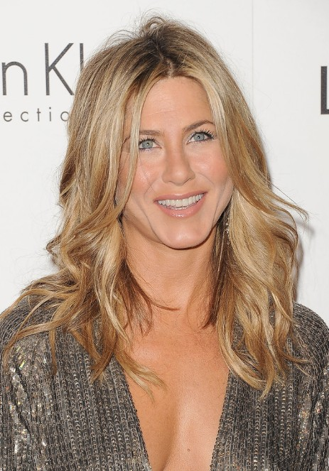 Layered long wavy hair style from jennifer aniston getty images