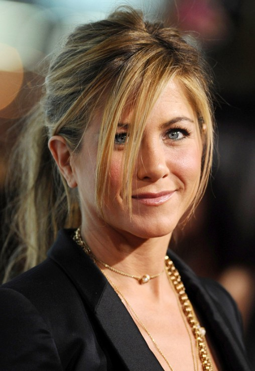 Jennifer Aniston Relaxed Ponytail with Loose Tendrils