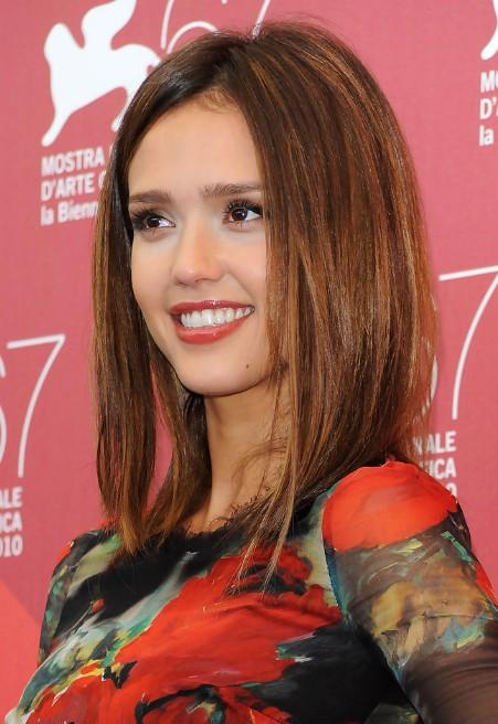 Cool Jessica Alba Medium Straight Brunette Bob Hairstyle Hairstyles Hairstyles For Women Draintrainus