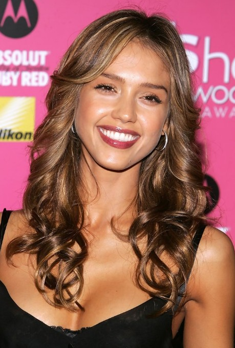 Jessica Alba Long Curly Hair With Subtle Honey Highlights