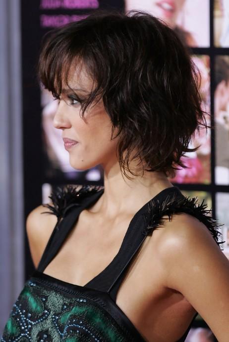 Awe Inspiring Jessica Alba Textured Short Wavy Bob Hairstyle Hairstyles Weekly Short Hairstyles Gunalazisus