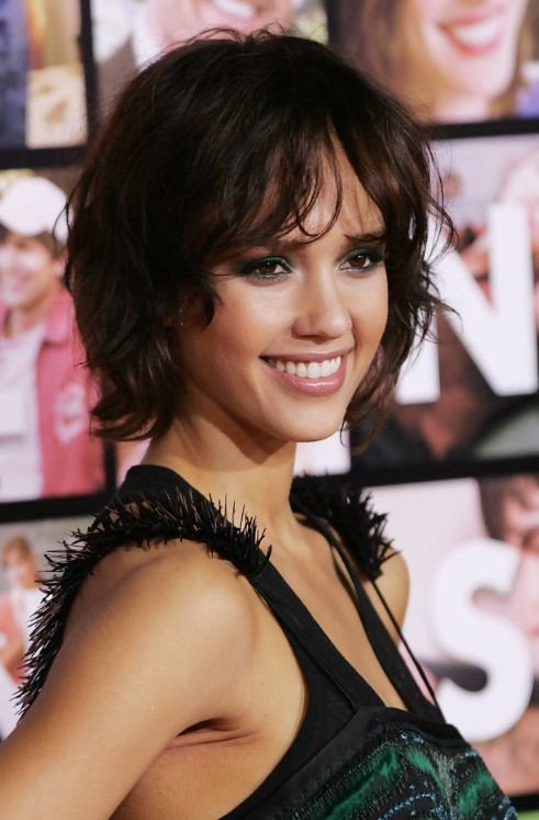 Jessica Alba Layered Short Hairstyle Hairstyles Weekly
