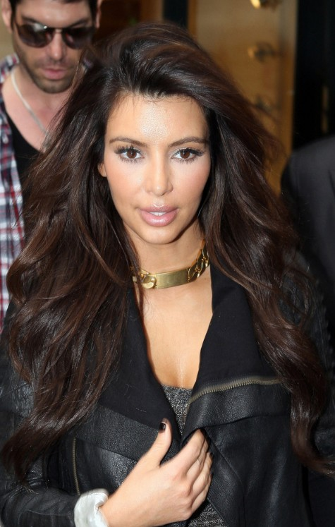 Kim Kardashian Side Parted Long Wavy Hairstyle Hairstyles Weekly