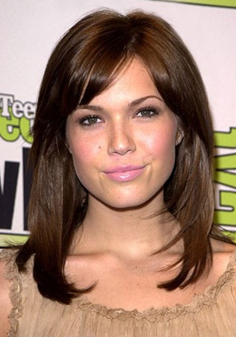 Medium Length Straight Hairstyle