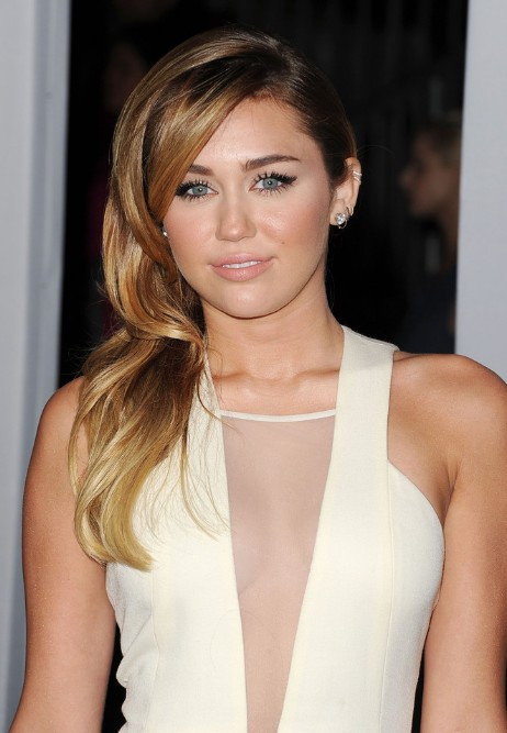 Miley Cyrus Long Side Swept Hairstyles Hairstyles Weekly