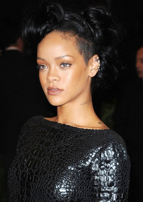 Pics Photos - Wavy Hair Rihanna Black Hair 2012 Long Wavy Hair Rihanna ...