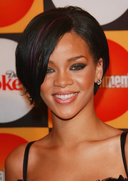 Rihanna bob hairstyles sexy short bob cut with side bangs rihanna bob hairstyles sexy short bob cut with side bangs urmus Gallery