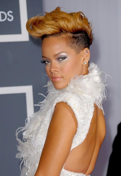 Rihanna Hairstyles Weekly